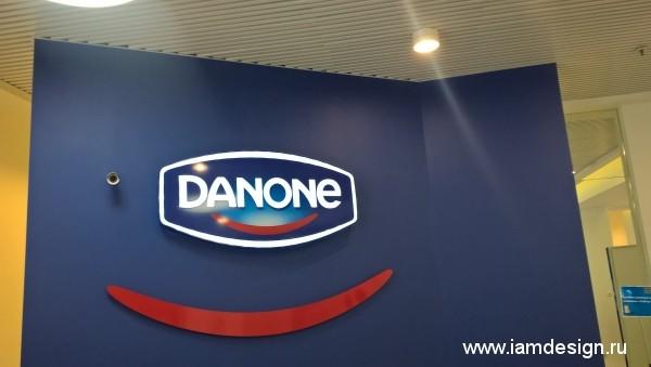 Световая вывеска для DANONE на ресепшен